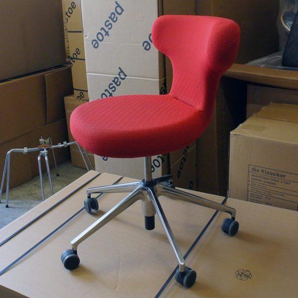 "Vitra bureaustoel ""Pivot"""