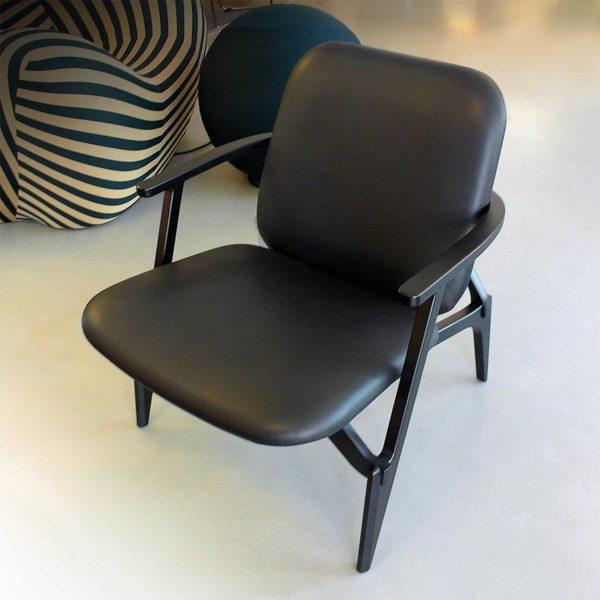 Zanotta 'Louise' 887 armchair