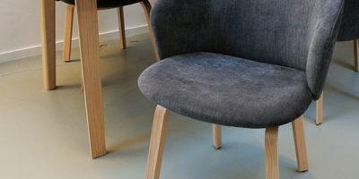 Arco-Essentional-eettafel--Close-stoelen-Masinterieur-aanbieding-opruiming