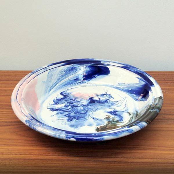 """HAY """"Swirl"""" bowl in blauw en multi splash terracotta"""