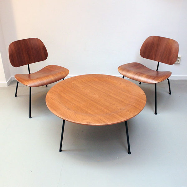 Vitra Eames set 2 x loungechair LCM en coffeetable CTM